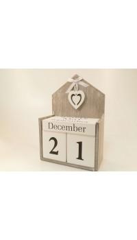 Drevený večný kalendár