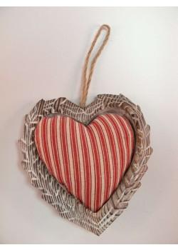 Drevené srdce s vankúšikom